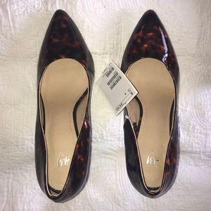 NWT tortoise pattern heels